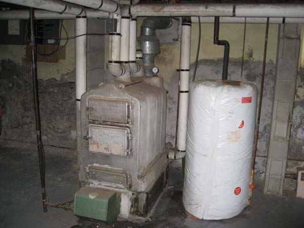 Photo of Residential mid size Sectional Boiler with Asbestos