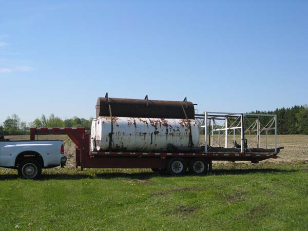 Photo of Removal of three 1000 Gallon Industrial Oil Tanks